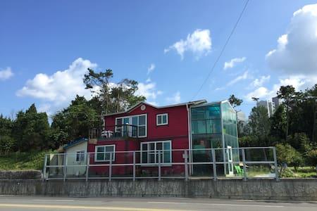 여주 남한강 전거도로1분, 금은모래 캠핑장3분, 썬밸리호텔5초