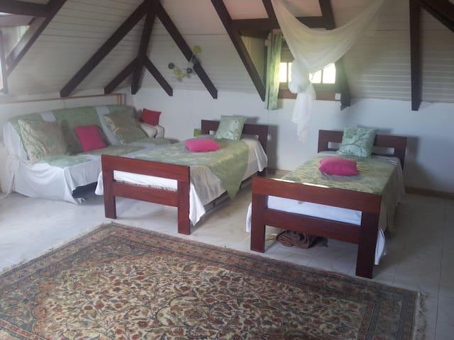 Chambre  pour 4 chez l'habitant - Trois-Rivières - Hus