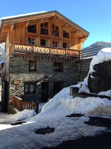 Chalet de village montagnard