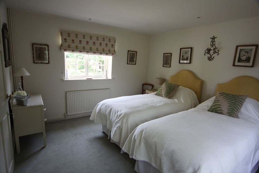 The accommodation comprises of 2 large single beds or a super king size bed.