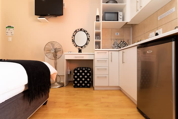 Kitchenette and dressing table