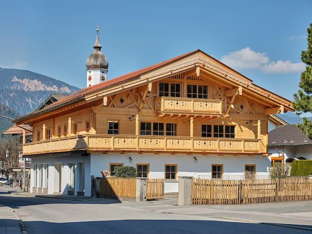 Die Alpe Garmisch - 140 m Apartment