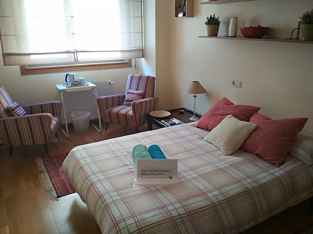 Comfortable double room to rest in quiet location