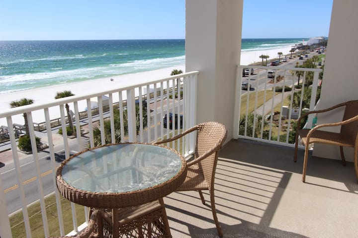 on the balcony in Destin florida overlooking the beach