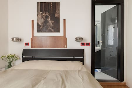 Double Room, Old Brera, Pvt bath - Milaan - Appartement