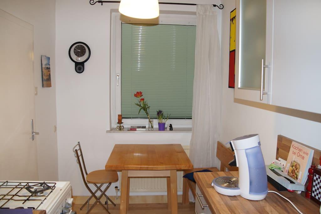 kitchen incl dishwasher, microwave, stove, toaster, coffee machine