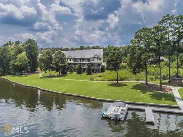 Lakefront Townhouse on Lake Oconee