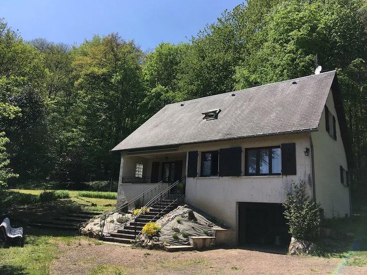 Grande maison familiale au Lac des Settons