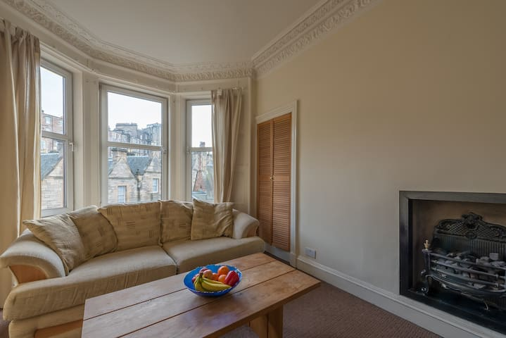 Great double bedroom in Dean Village.