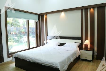 Lux apt. in SOUTH DELHI-Safdarjung Enclave
