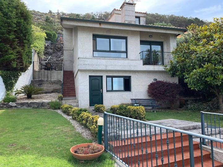 Casa en As Mariñas-Cabo Silleiro-Oia