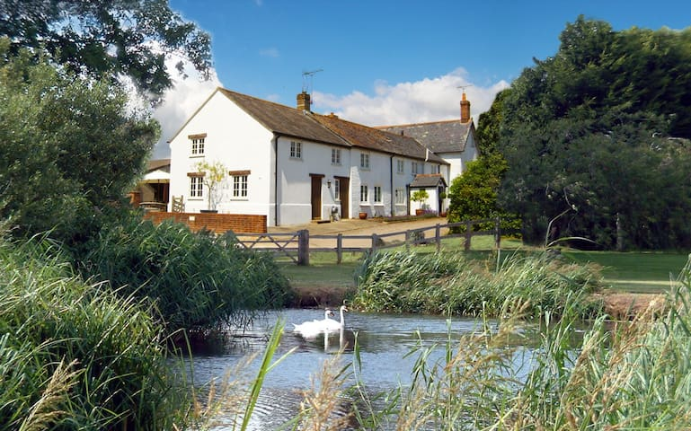 Tincleton Lodge, Tincleton, Dorchester - 5 Star