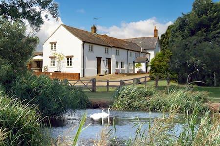 Tincleton Lodge, Tincleton, Dorchester - 5 Star - Tincleton - บ้าน