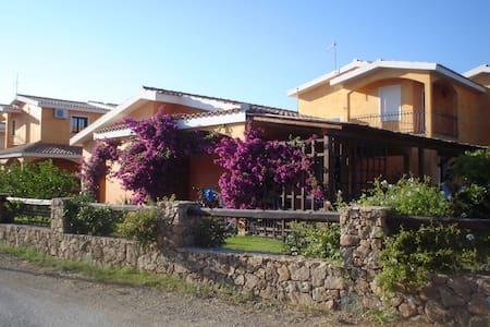 Casetta in residence con piscina - Sant'Anna Arresi
