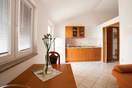Spacious apartment for 4-6 in Caska - Apartment