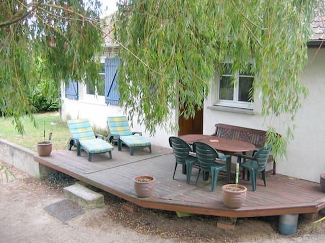 House with terrace close Loiret - Saint-Hilaire-Saint-Mesmin - Casa