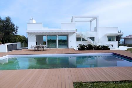 Numana, magnifica villa con piscina - Numana - Villa