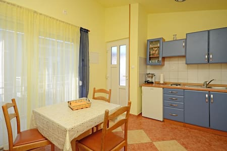 Apartment Jasminka (85751-A3) - Selce - Apartment
