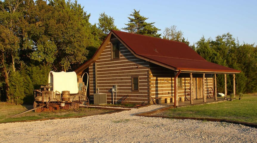 Private Luxury Cabin Near Dallas TX - Glenn Heights - Srub