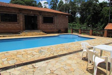 Chácara em Mairiporã - Franco da Rocha - キャビン