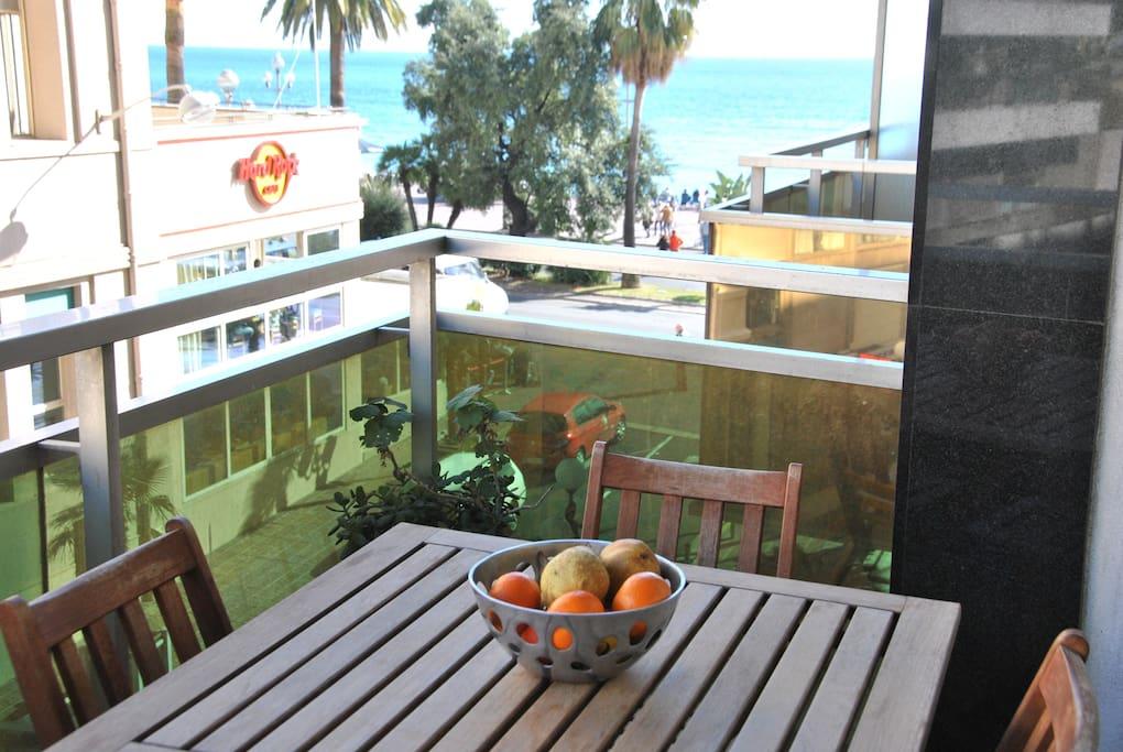 Le balcon, vue sur la mer