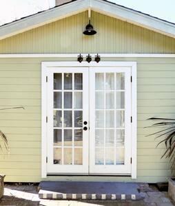Cozy Cabin 2 Blocks 2 State Street - Santa Barbara - Cabin