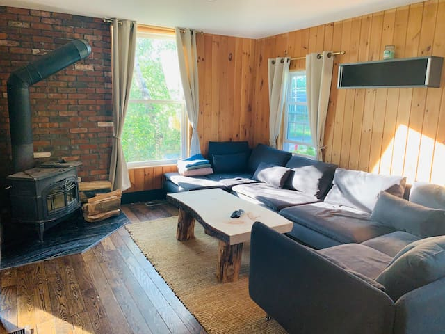 Great upstate 4 bedroom place by Gore Mountain