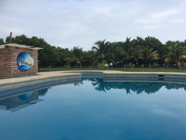 2 guest rooms in Quinta El Mamey