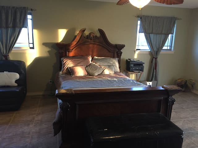 Country place 30 minutes from Austin Airport - Martindale