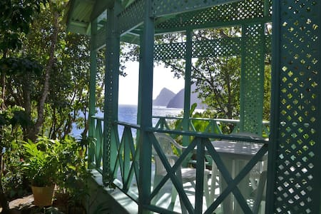 The Green House with sea views - Pointe Carib - Ház