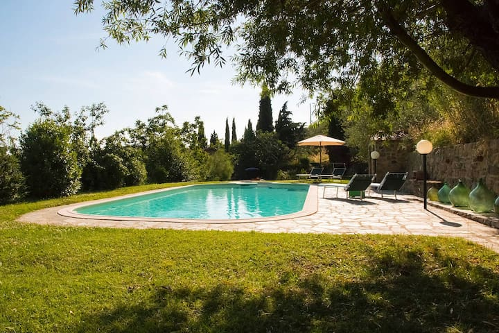 House in farm property w/pool, view - Loro Ciuffenna - Casa