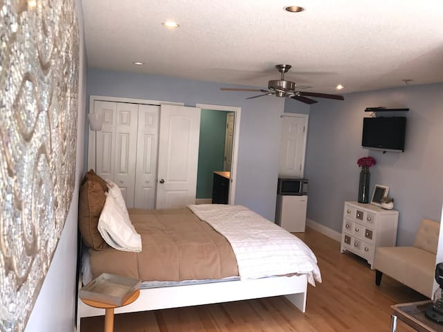 Private entrance, one bedroom and bathroom ensuite - Orlando - Ev