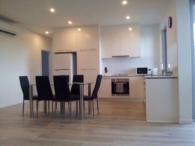 New Dromana Beachside Apartment - Dromana - Appartement