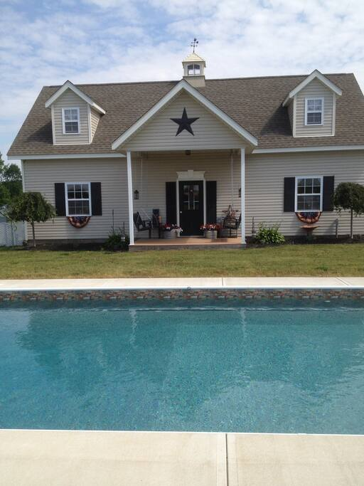 Pool/guest house
