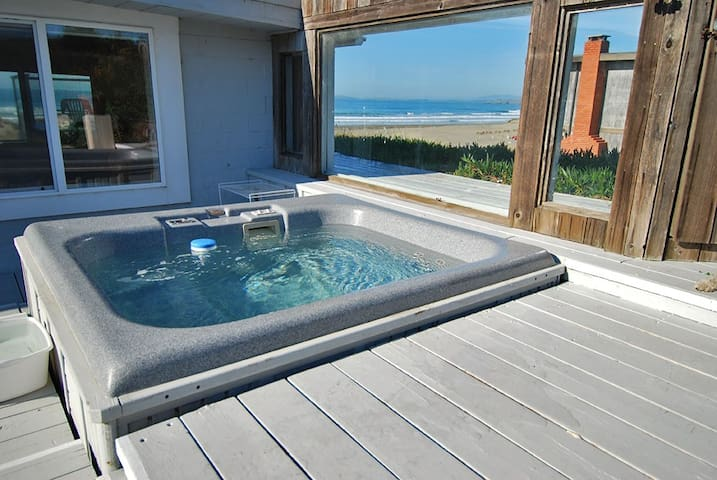 Beach View /Hot Tub/Hot Rock Sauna/Pets OK