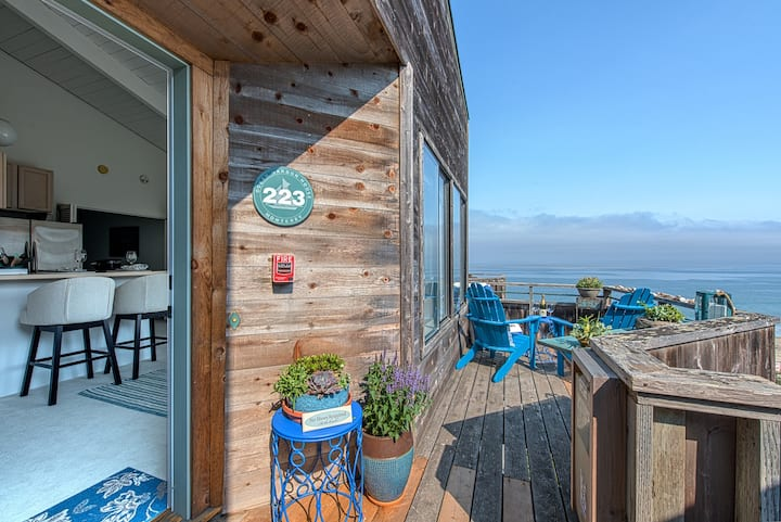 3731 Baylights by the Sea ~ Oceanfront with Spectacular Ocean Views!
