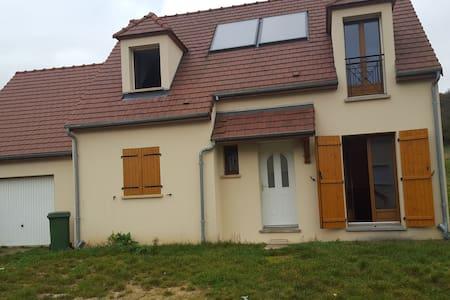 Chambre en famille avec 2 enfants - Auffreville-Brasseuil - Maison