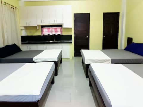 Hundred Islands Lucky One Transient  ( 1  room )