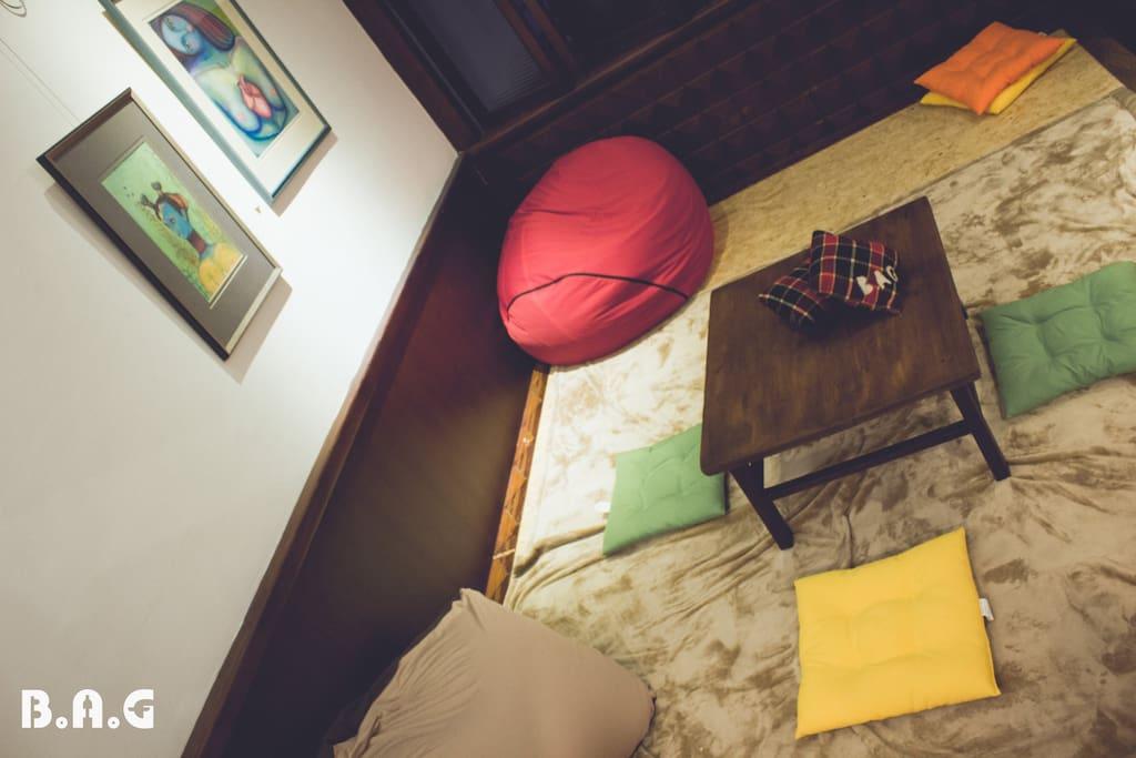 舒服的公共空間,可以在這裡上網、聊天、找個自己的角落吧!