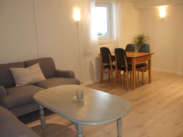 Newly redecorated 2-room apartment - Hamar - Apartment