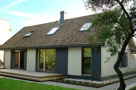 Cozy house near the sea in Pärnu - Pärnu - Talo