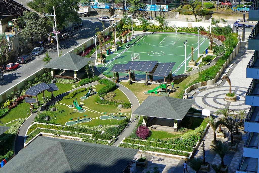 Outdoor playground for the youngest, basketball and runningtrack for adults.