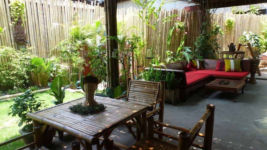 Le 1er étage de notre maison teck - Chiang Mai - House
