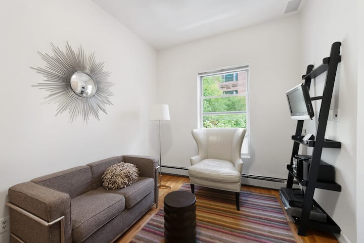 Comfortable Upper East Side One Bedroom