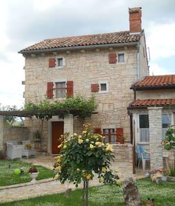 Jadranka house - Žminj - Ev