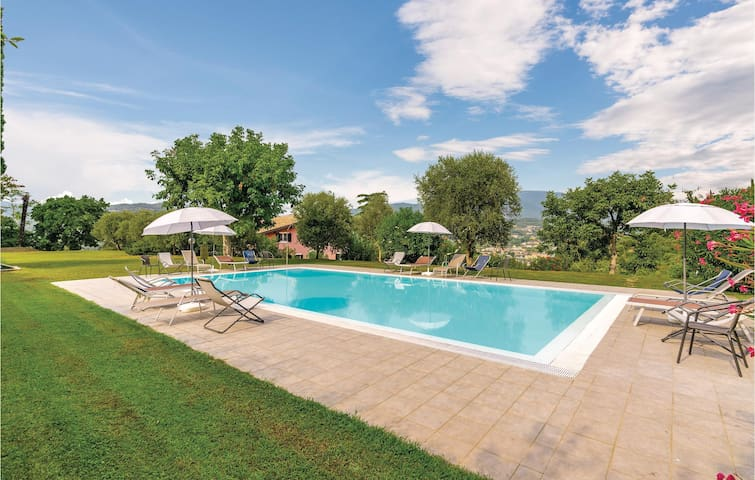 Holiday apartment with 2 bedrooms on 95m² in Garda VR
