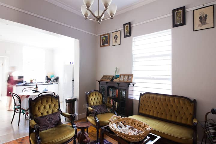 Private room in homey place in Observatory suburb