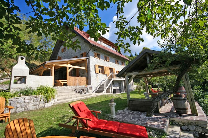 Superb Stone Villa With Super Views - Kal nad Kanalom - Ev