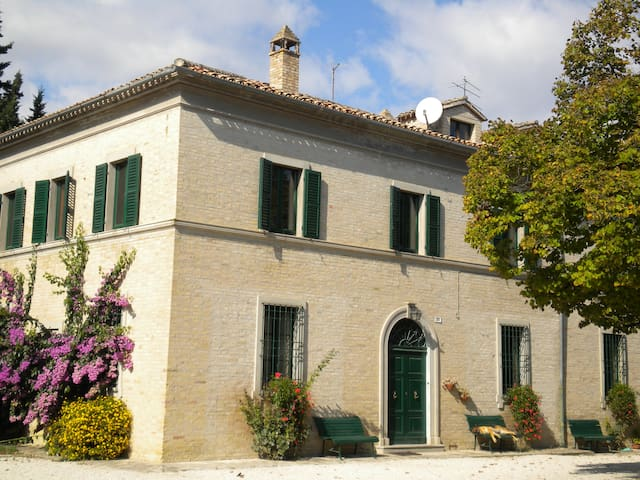 Casa colonica in antica fattoria  - Macerata
