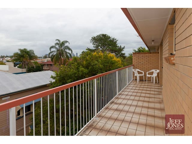 Single room or couch: your choice! - Greenslopes - Apartemen